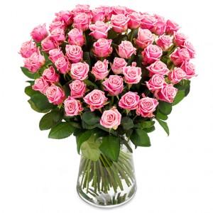 Magnifik bukett bestående av enbart rosa rosor.