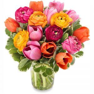 Stort fång tulpaner med blommor i gult, orange, rosa. Finns att beställa som blombud hos Euroflorist, en väletablerad blomsterförmedlare på nätet.