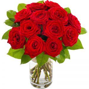 Rundbunden bukett med röda rosor. Finns hos Euroflorist.