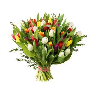 Stor bukett med tulpaner i blandade glada färger (välj mellan tre storlekar på buketten). Skicka tulpanerna med ett blomsterbud från Interflora - beställ enkelt online.