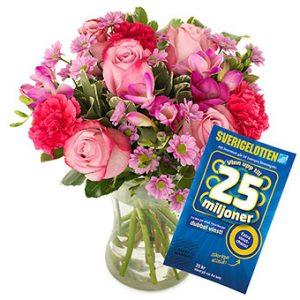 Blombukett med blandade blommor i cerise och rosa. Plus en Sverigelott.