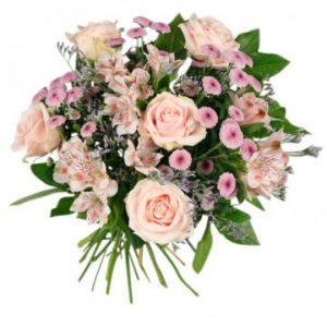 Vacker bukett med blandade blommor i milda, rosa färgtoner. Beställ blommorna hos Florister i Sverige - sänd dem med ett blomsterbud!